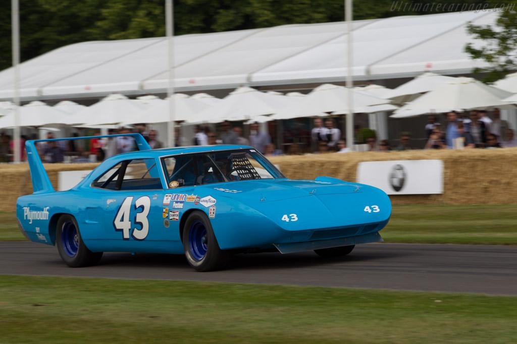 Plymouth Superbird  - Driver: Richard Petty  - 2015 Goodwood Festival of Speed