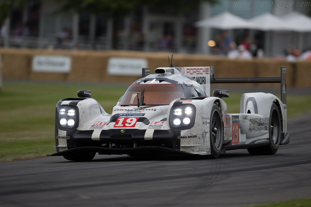 Porsche 919 Hybrid  - Entrant: Porsche Museum GOH - Driver: Brendon Hartley  - 2015 Goodwood Festival of Speed