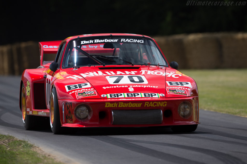 Porsche 935 - Chassis: 009 0030 - Entrant: Carlos Monteverde - Driver: Brian Redman  - 2015 Goodwood Festival of Speed