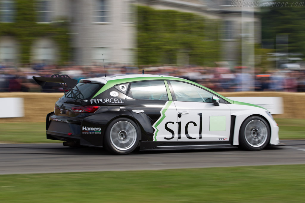 Seat Leon Cup  - Entrant: Seat S.A. - Driver: Martin Byford  - 2015 Goodwood Festival of Speed