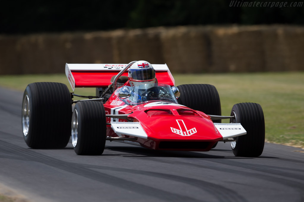 Surtees TS7 Cosworth - Chassis: TS7-01 - Entrant: Team Surtees - Driver: Derek Bell  - 2015 Goodwood Festival of Speed