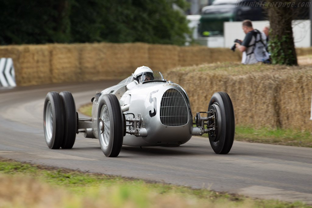 Auto Union Type C - Chassis: 14R - Entrant: Audi Tradition - Driver: Nick Mason  - 2016 Goodwood Festival of Speed
