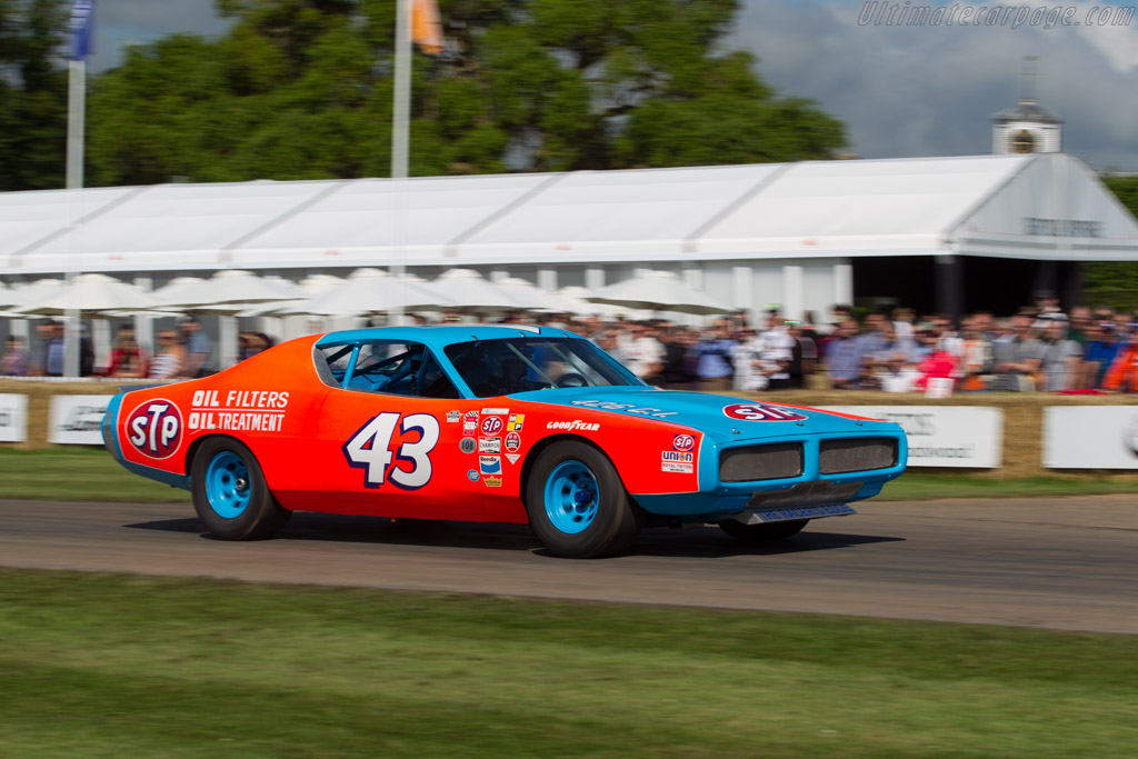 Dodge Charger  - Entrant: Richard Petty - Driver: Bobby Labonte  - 2016 Goodwood Festival of Speed