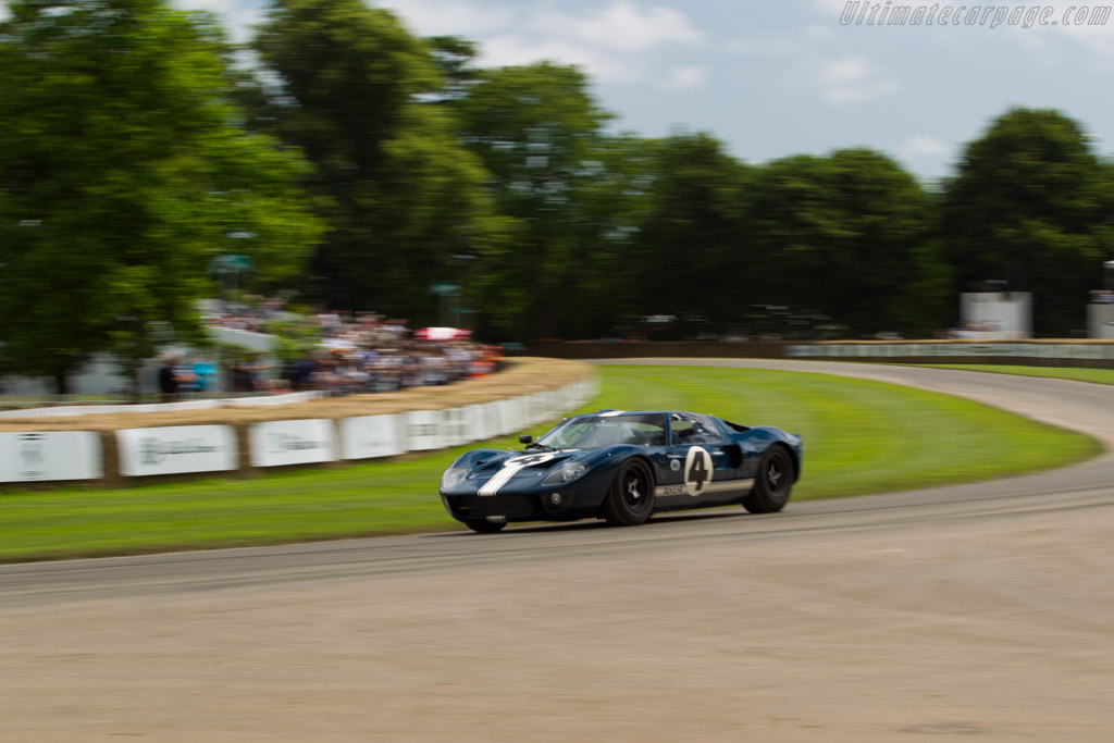 Ford GT40 - Chassis: GT40P/1055 - Entrant: Gavin Henderson - Driver: Simon Blake  - 2016 Goodwood Festival of Speed
