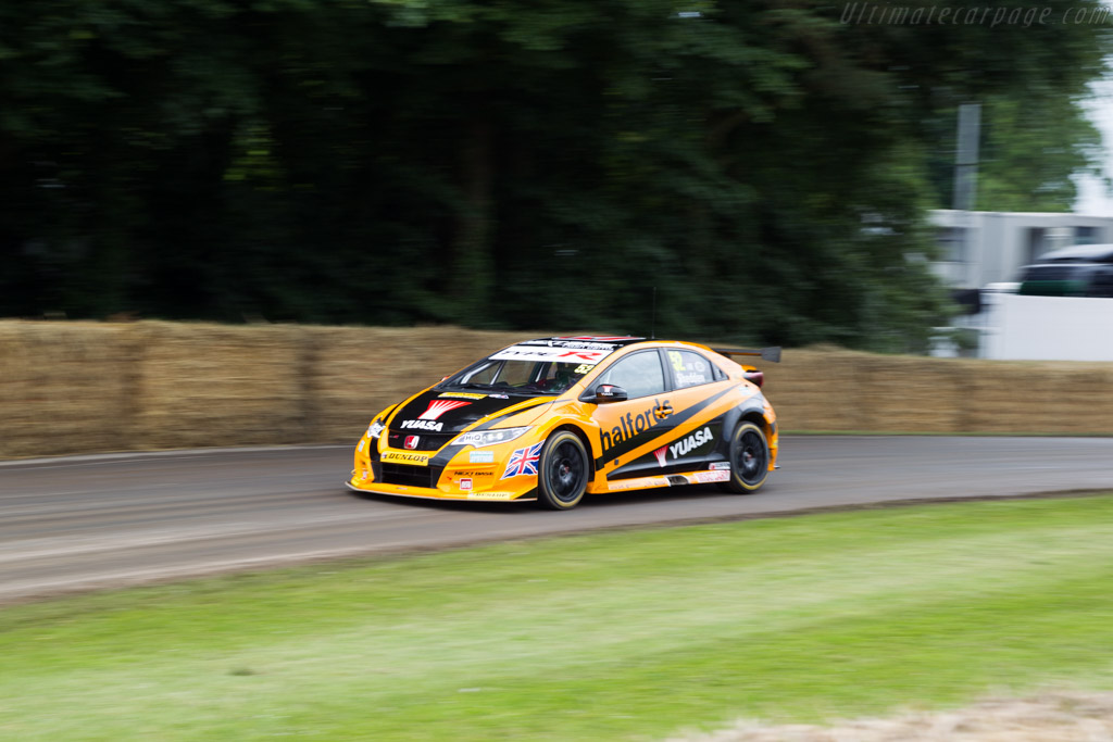 Honda Civic Type R  - Entrant: Halfords Yuasa Racing - Driver: Matt Neal / Gordon Shedden  - 2016 Goodwood Festival of Speed