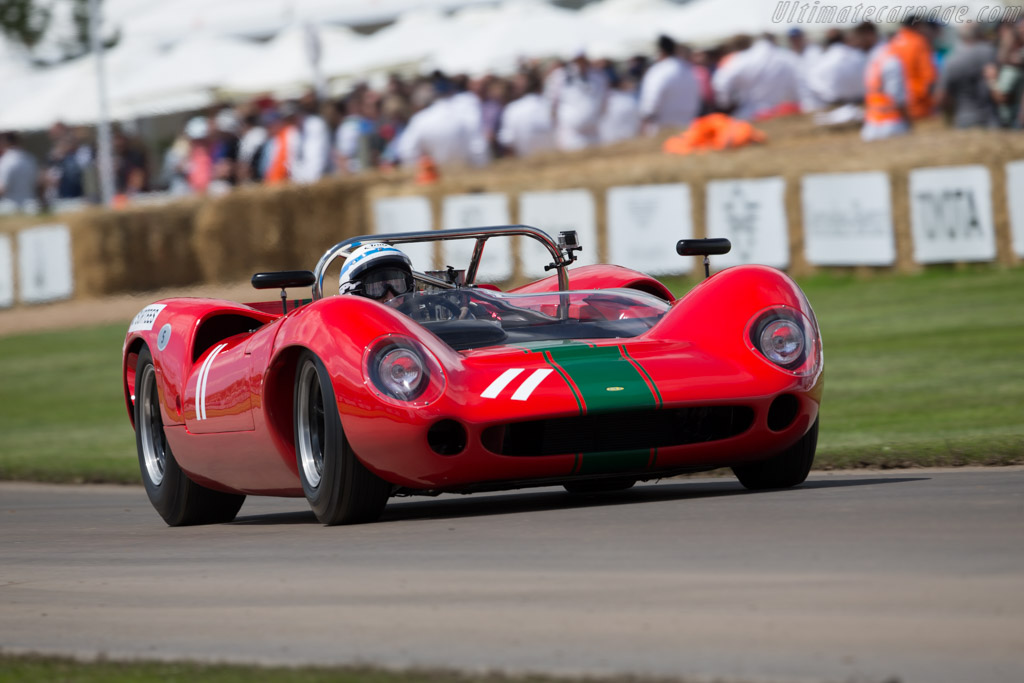 Lola T70 Spyder - Chassis: SL70/1 - Entrant: Grant Reid - Driver: John Surtees  - 2016 Goodwood Festival of Speed