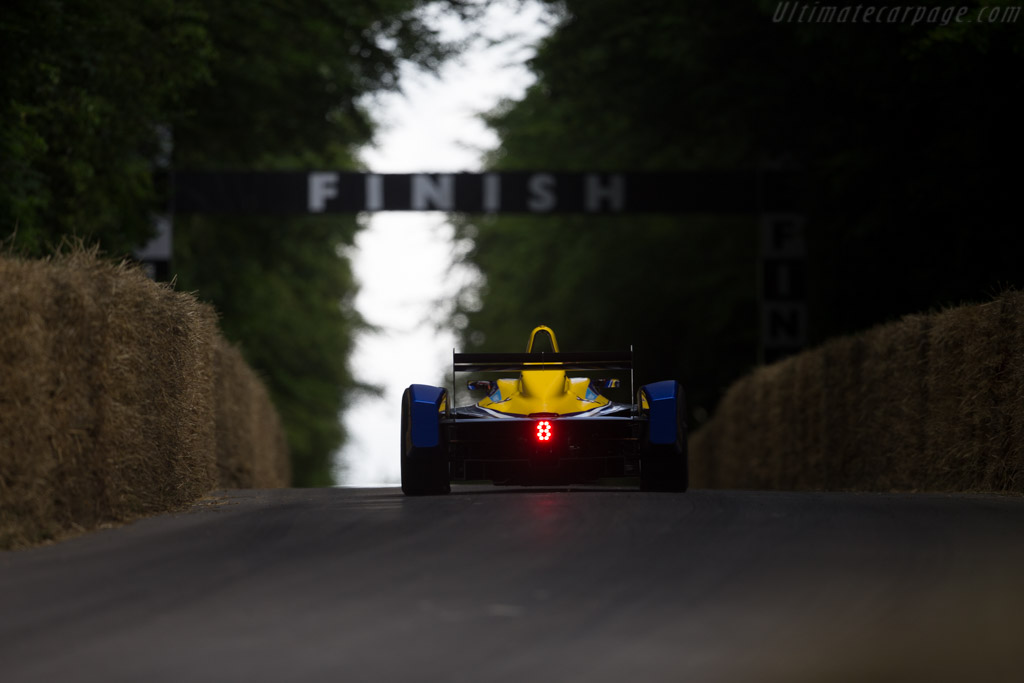 Renault Formula E Z.E.15  - Entrant: Renault e.dams - Driver: Stephane Richelmi  - 2016 Goodwood Festival of Speed