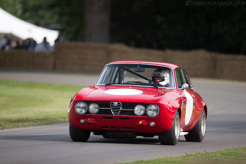 Alfa Romeo 1750 GTAm - Chassis: 1530782 - Entrant: Museo Storico Alfa Romeo - Driver: Roberto Cavaliere  - 2017 Goodwood Festival of Speed