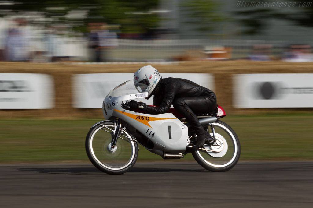 Honda RC116  - Entrant: Honda Motor Company - Driver: Stuart Graham  - 2017 Goodwood Festival of Speed