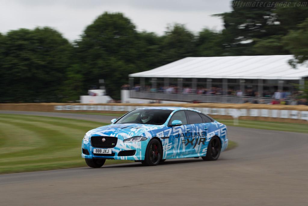 Jaguar XJR 575    - 2017 Goodwood Festival of Speed