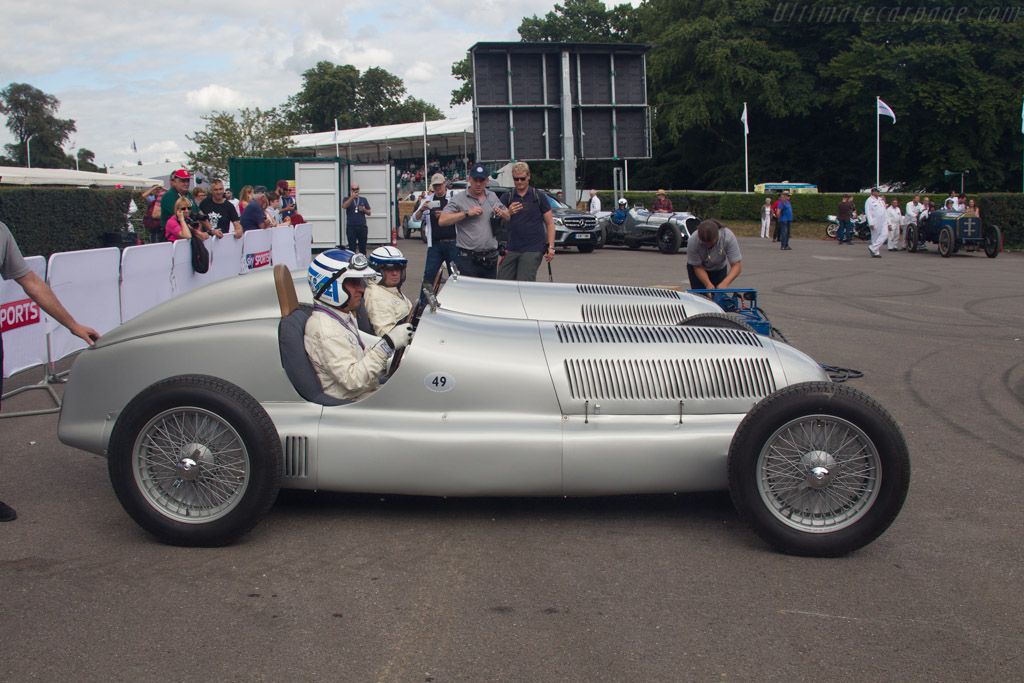Mercedes-Benz W25 - Chassis: 10105194 - Entrant: Mercedes Benz Classic - Driver: Roland Asch  - 2017 Goodwood Festival of Speed