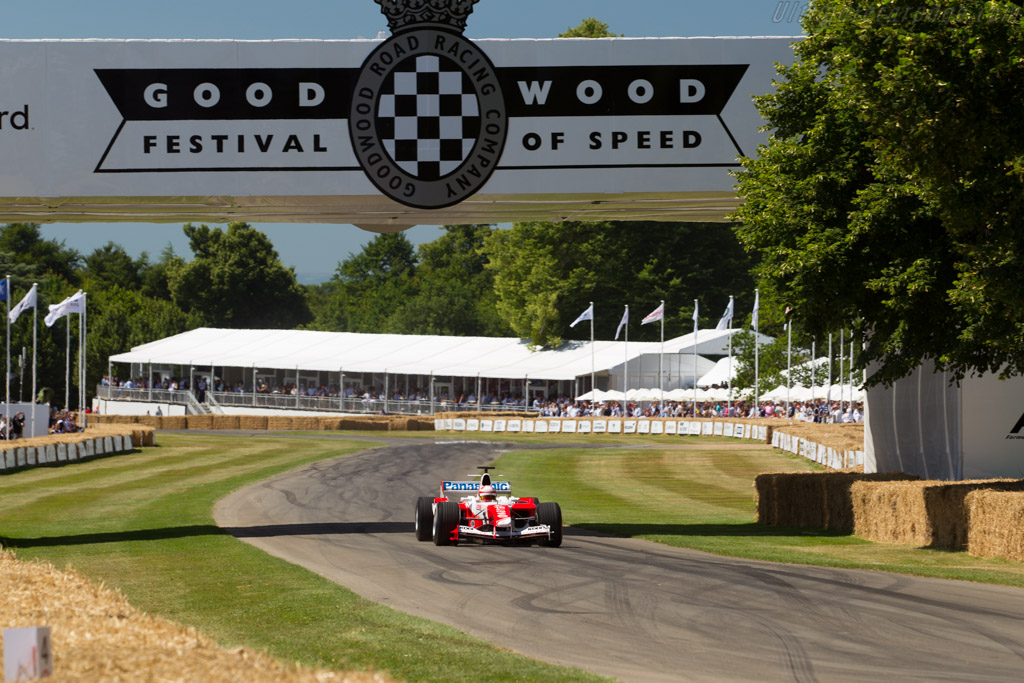 Toyota TF104 - Chassis: TF104/10B - Driver: Harald Fuchs  - 2017 Goodwood Festival of Speed