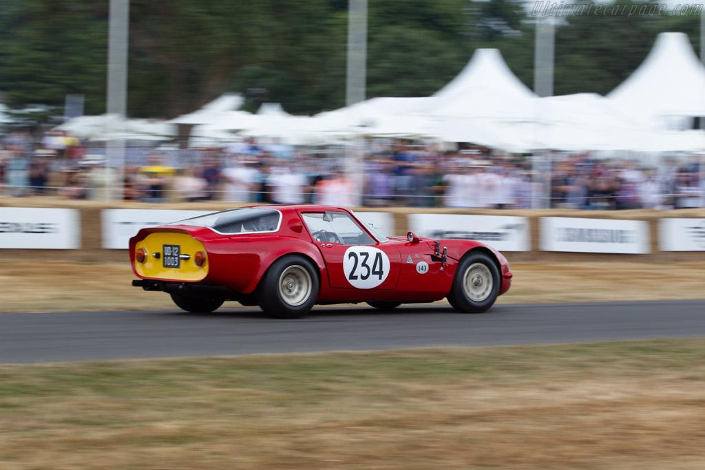 Alfa Romeo TZ2 - Chassis: AR700117 - Entrant / Driver David Sydorick  - 2018 Goodwood Festival of Speed