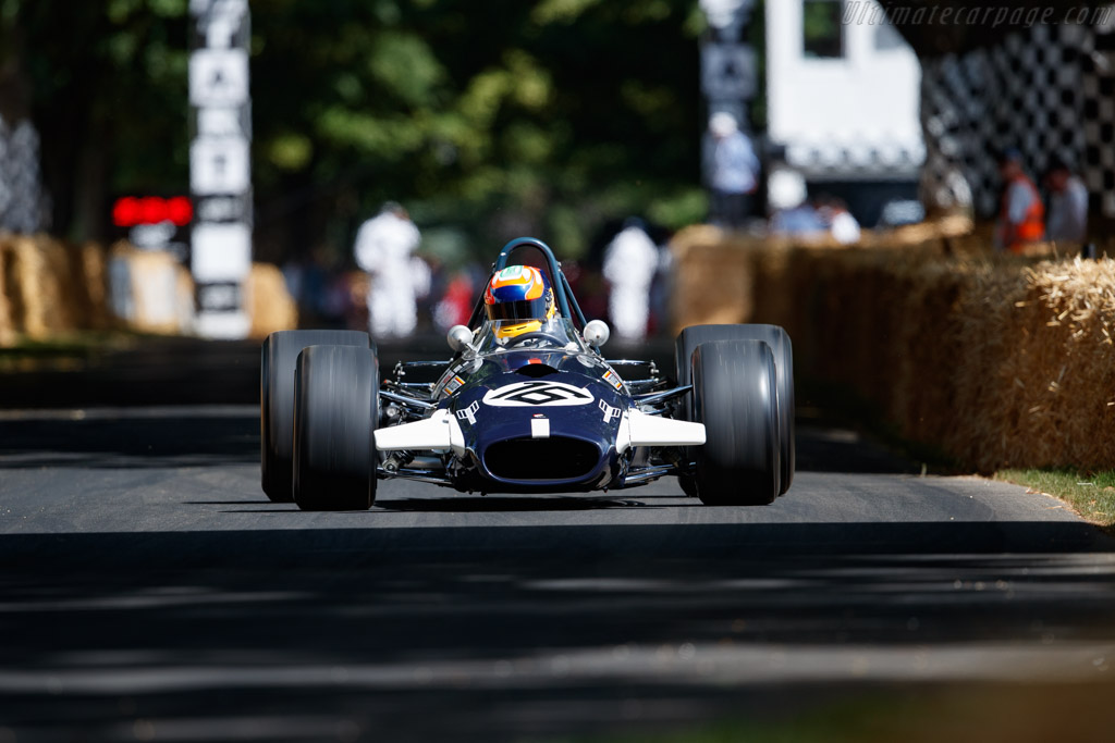 Brabham BT26 - Chassis: BT26-4 - Entrant: Williams Heritage - Driver: Karun Chandhok - 2019 Goodwood Festival of Speed