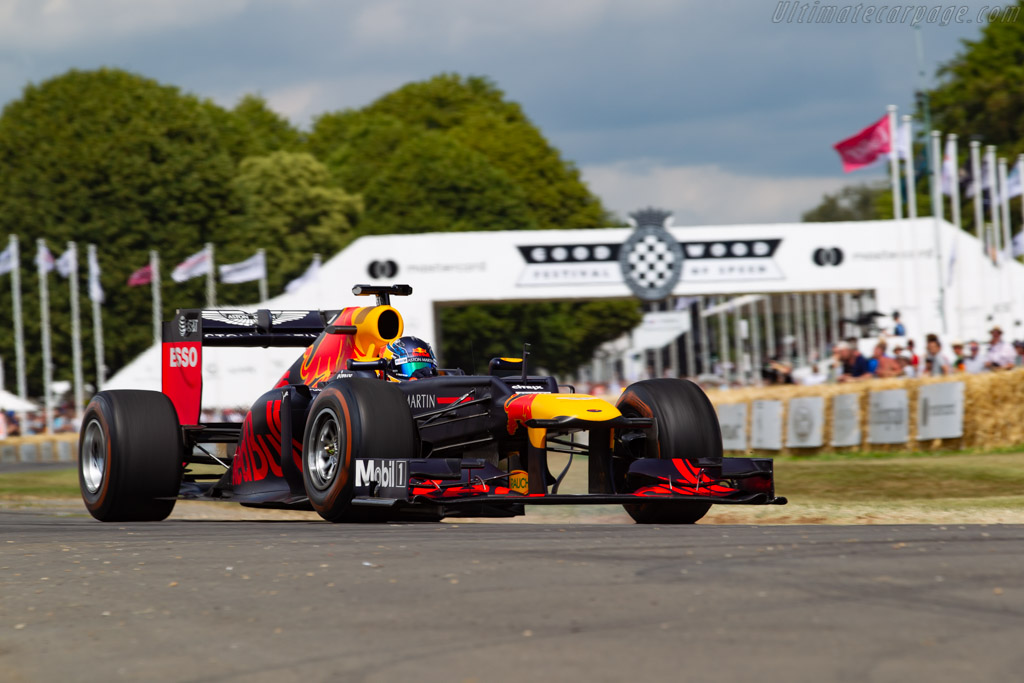 Red Bull Racing RB8  - Entrant: Red Bull Racing - Driver: Daniel Tictum - 2019 Goodwood Festival of Speed