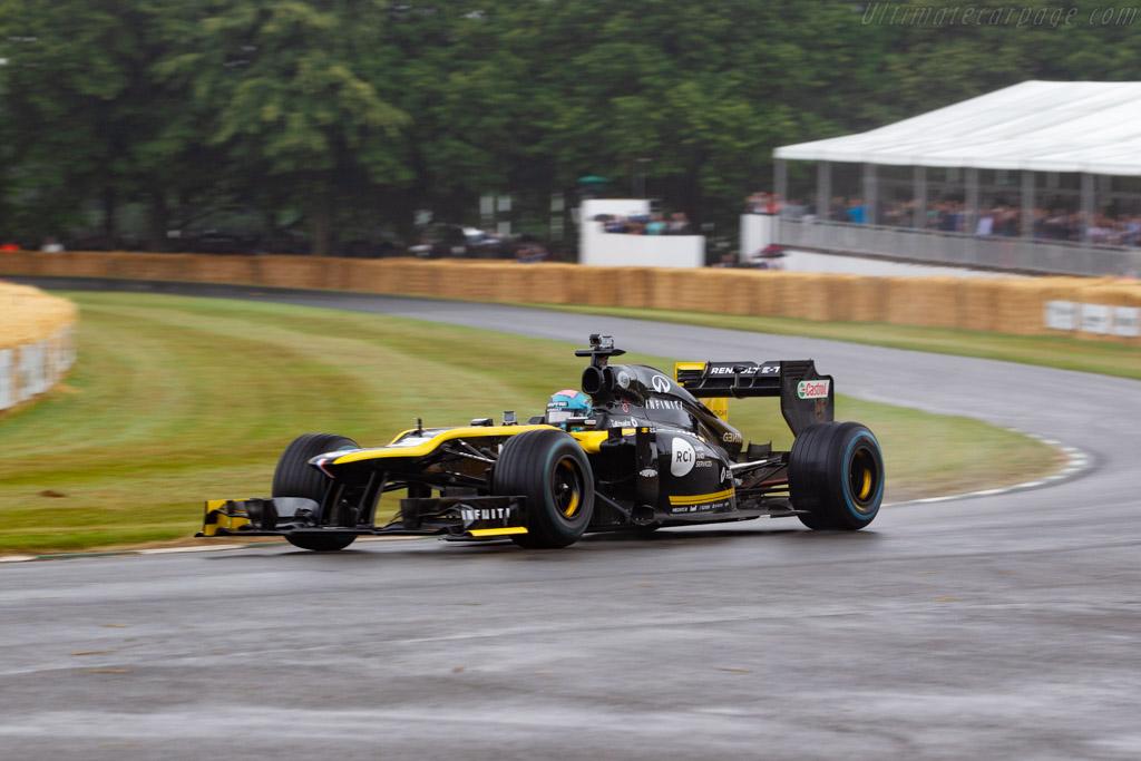 Renault E20  - Entrant: Renault F1 Team - Driver: M. Fewtrell / Daniel Ricciardo - 2019 Goodwood Festival of Speed