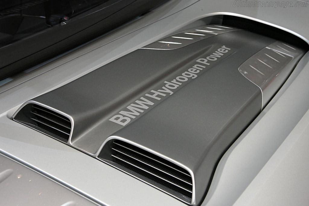 Italdesign Vadho Concept    - 2007 Geneva International Motor Show