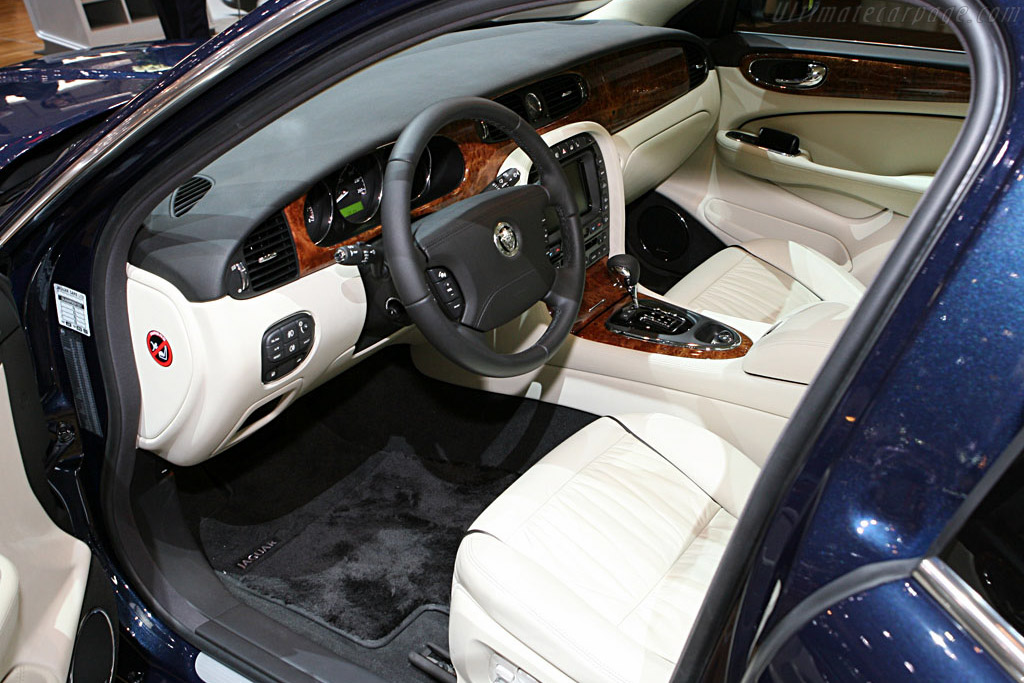 Jaguar XJ    - 2007 Geneva International Motor Show