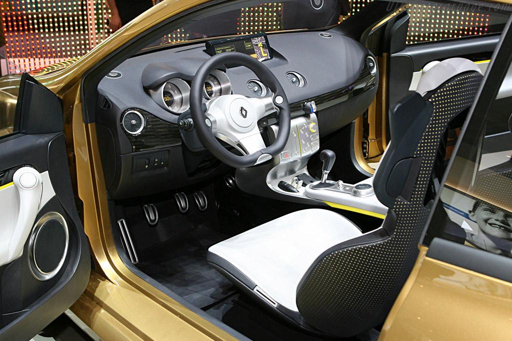 Renault Clio Grand Tour Concept    - 2007 Geneva International Motor Show