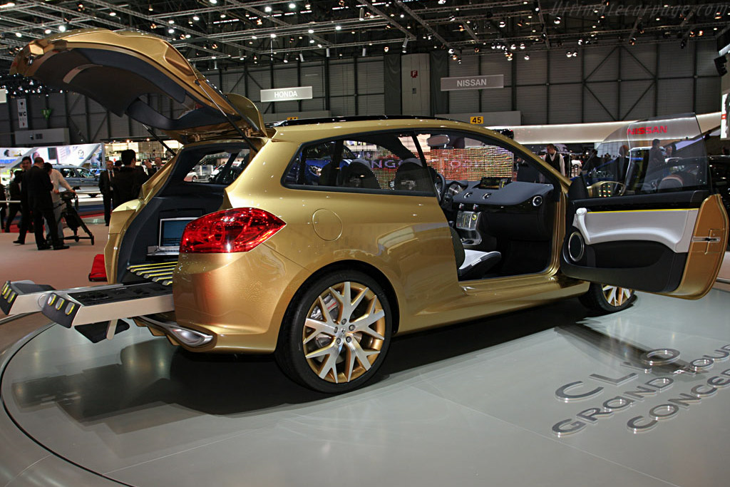 Renault Clio Grand Tour Concept    - 2007 Geneva International Motor Show