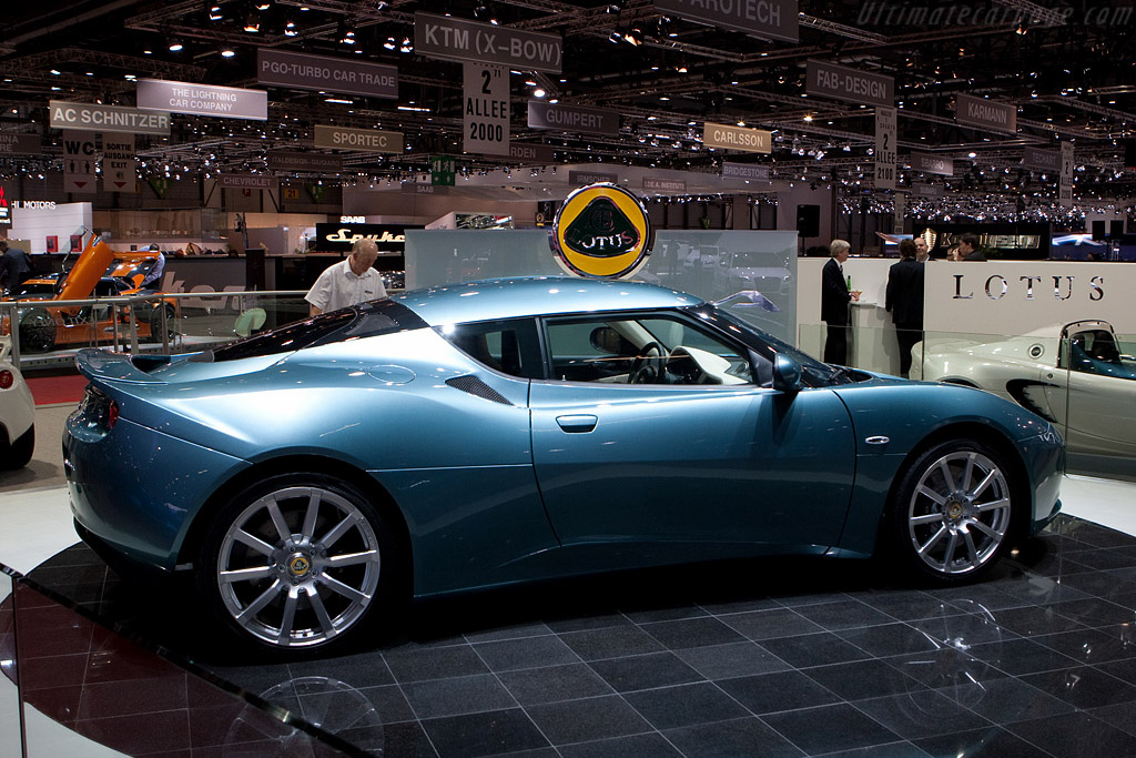 Lotus Evora    - 2009 Geneva International Motor Show