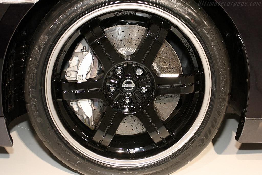 Nissan GT-R V-Spec    - 2009 Geneva International Motor Show