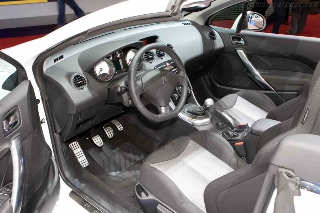 Peugeot 308 CC    - 2009 Geneva International Motor Show