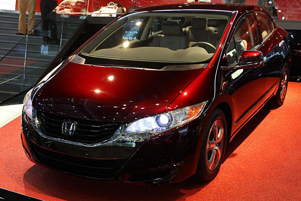Honda FCX Clarity Concept    - 2008 Geneva International Motor Show