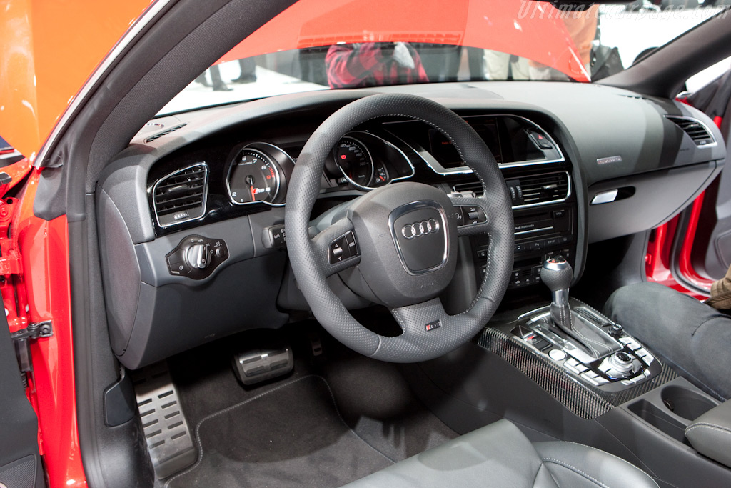Audi RS5    - 2010 Geneva International Motor Show