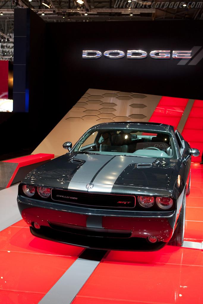 Dodge Challenger    - 2010 Geneva International Motor Show