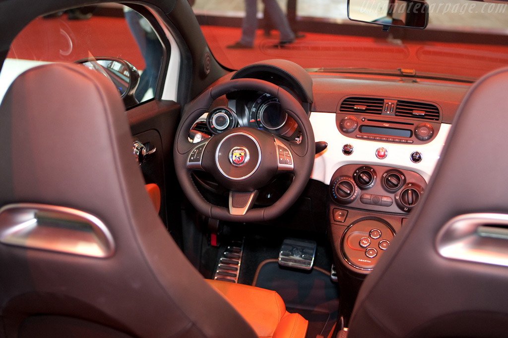 Fiat Abarth 500C    - 2010 Geneva International Motor Show