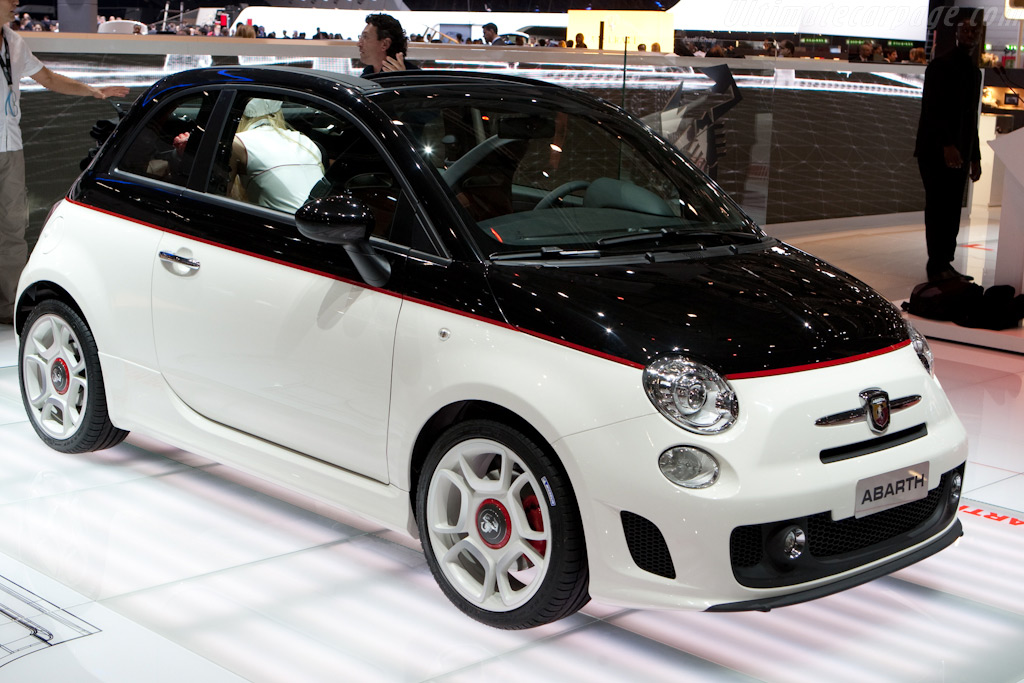 Fiat Abarth 500C    - 2010 Geneva International Motor Show