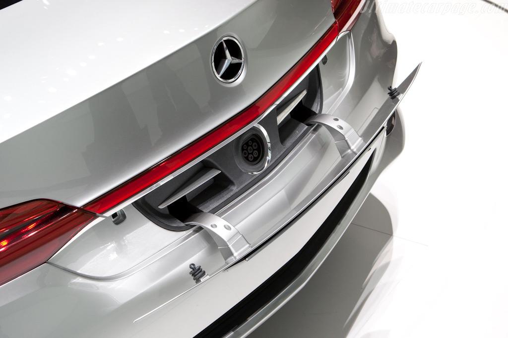 Mercedes-Benz F 800 Style Concept    - 2010 Geneva International Motor Show