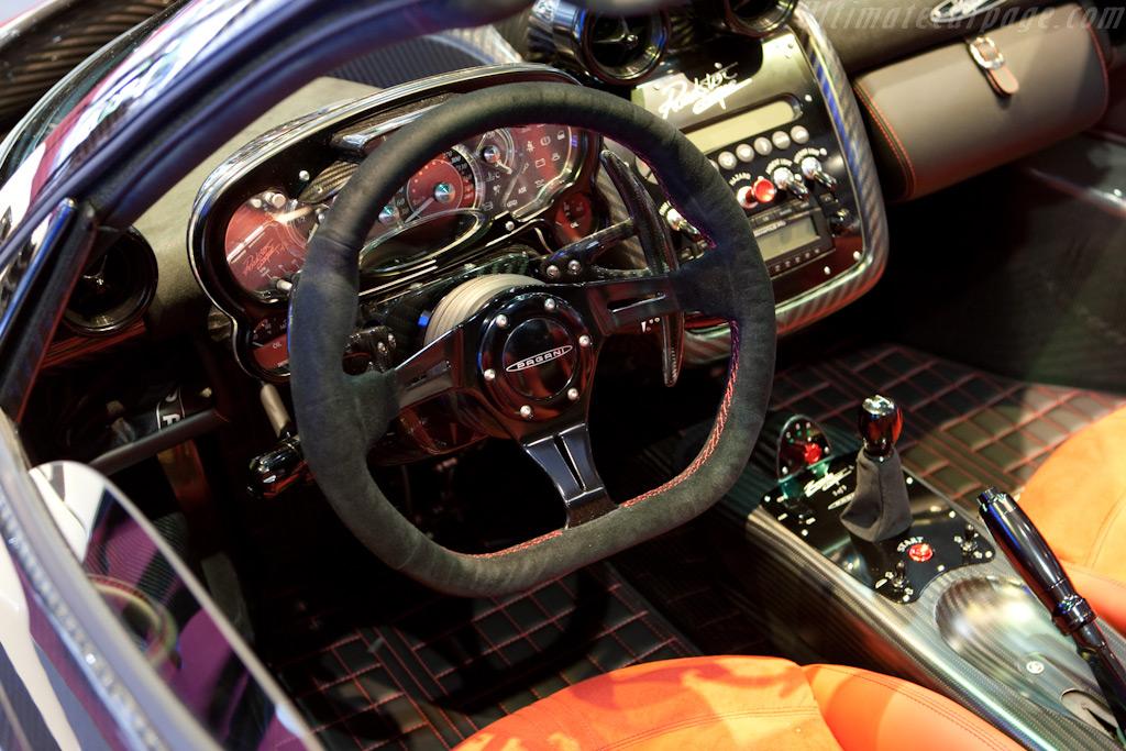 Pagani Zonda Cinque Roadster    - 2010 Geneva International Motor Show