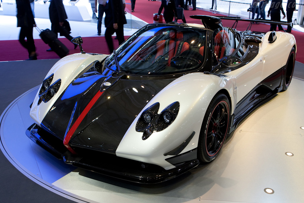 Pagani Zonda Cinque Roadster    - 2010 Geneva International Motor Show