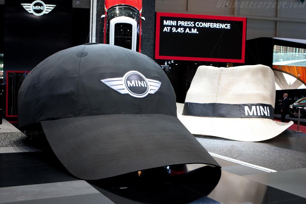 The hats are big    - 2010 Geneva International Motor Show