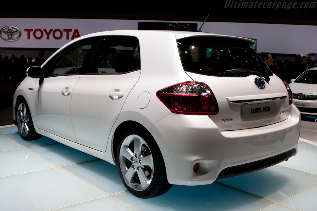 Toyota Auris HSD    - 2010 Geneva International Motor Show