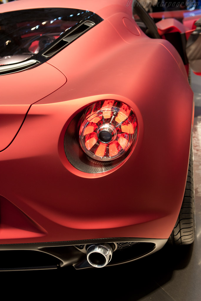 Alfa Romeo 4c >> Alfa Romeo 4C Concept - 2011 Geneva International Motor Show