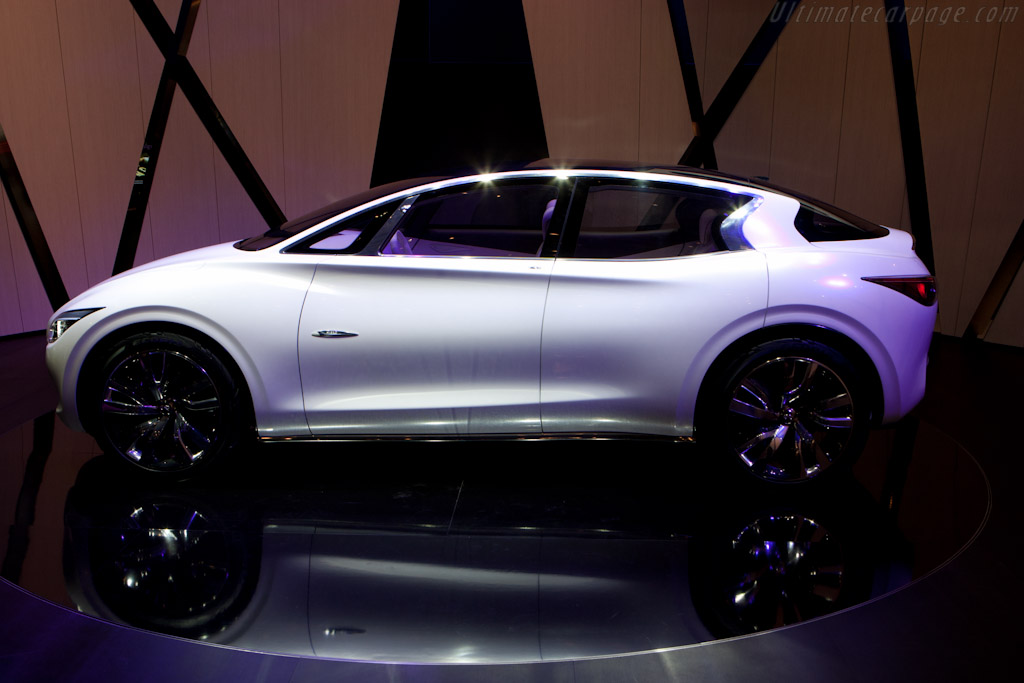 Infiniti Etherea Concept    - 2011 Geneva International Motor Show