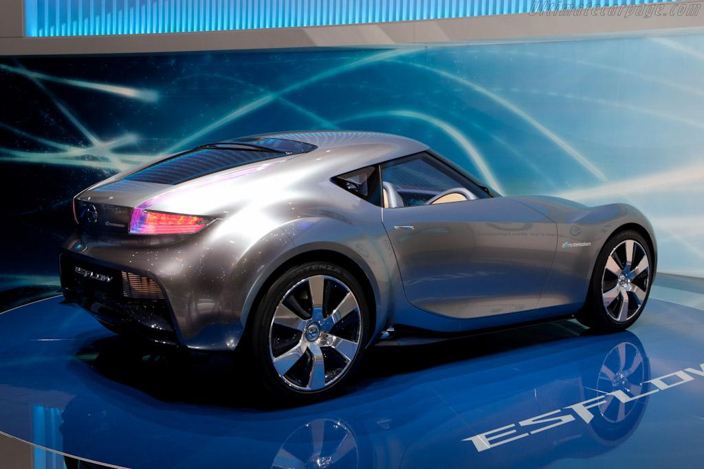 Nissan Esflow Concept    - 2011 Geneva International Motor Show