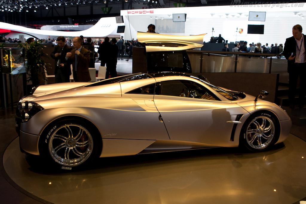 Pagani Huayra    - 2011 Geneva International Motor Show