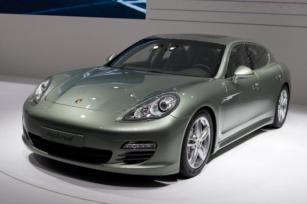 Porsche Panamera S Hybrid    - 2011 Geneva International Motor Show