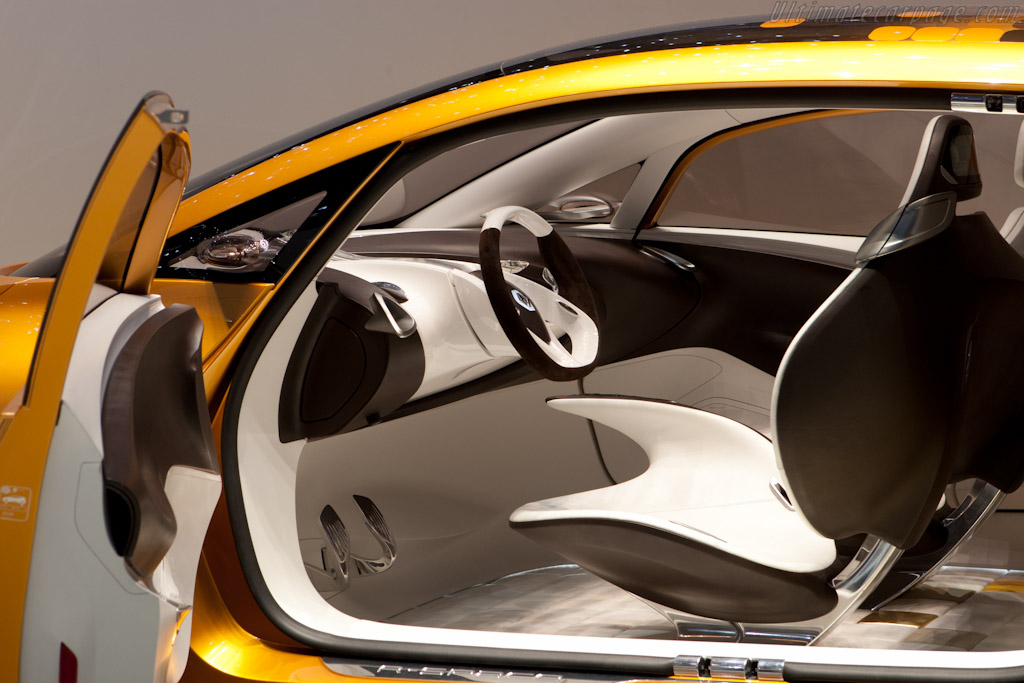 Renault R-Space Concept    - 2011 Geneva International Motor Show