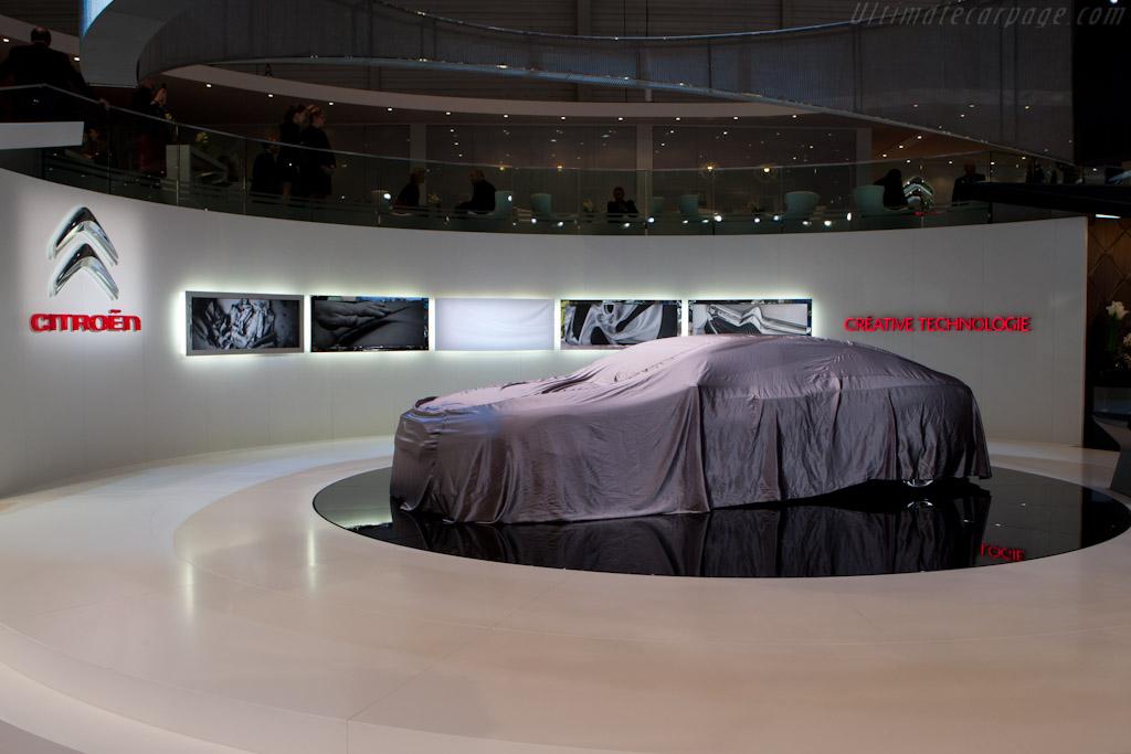 Under Cover    - 2011 Geneva International Motor Show