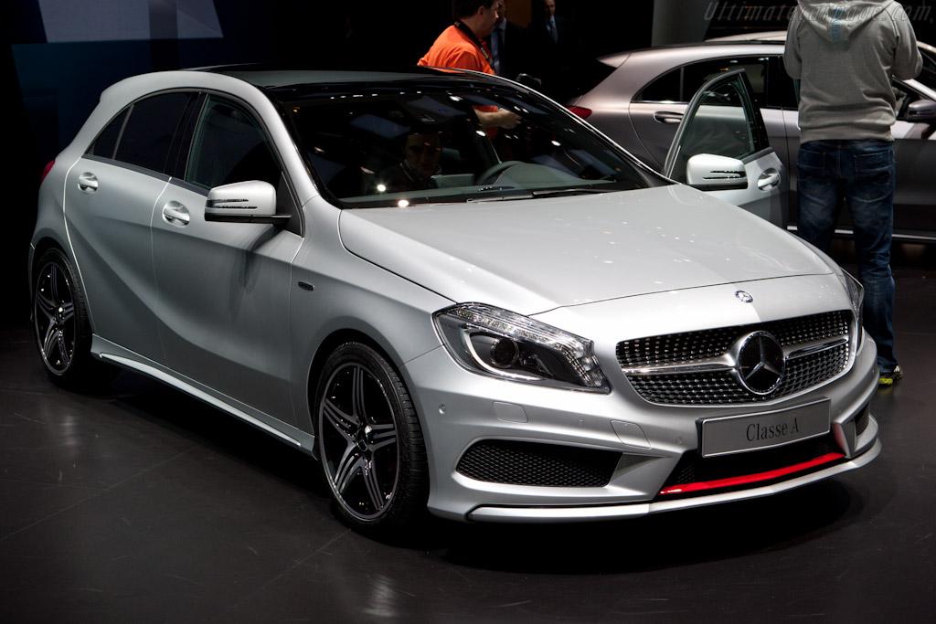 Mercedes benz a class 2012 geneva international motor show for Mercedes benz lease return