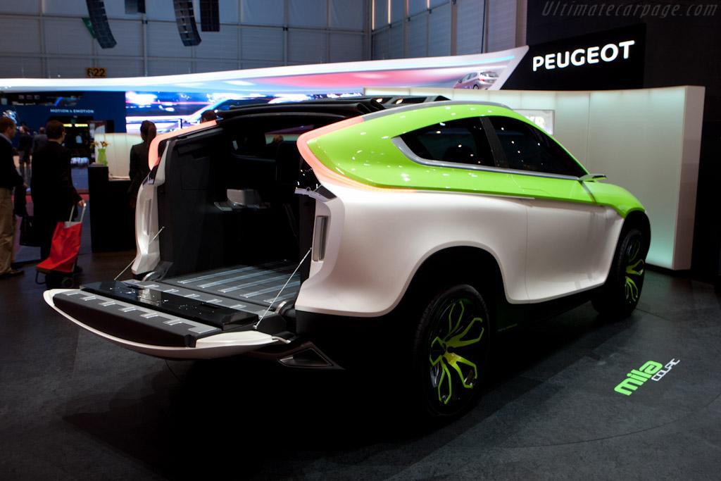 Mila Coupic    - 2012 Geneva International Motor Show
