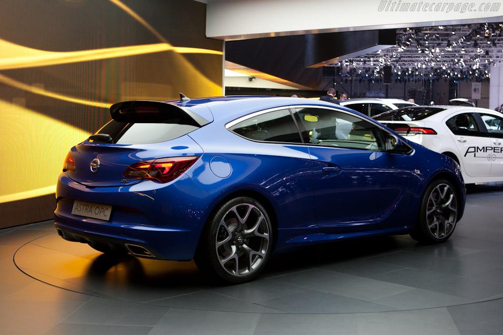 Opel Astra OPC    - 2012 Geneva International Motor Show