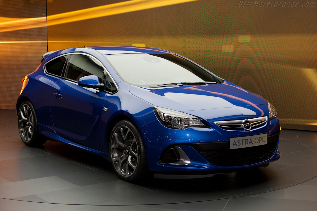 Opel Astra OPC    - 2012 Geneva International Motor Show