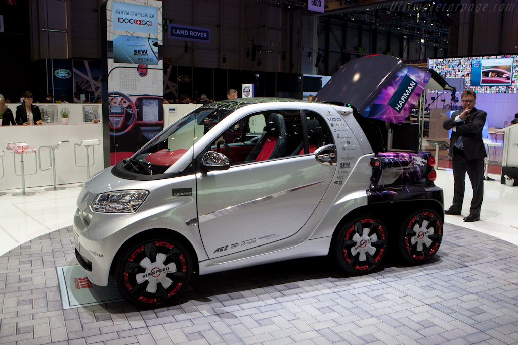 Rinspeed Dock+Go Concept    - 2012 Geneva International Motor Show