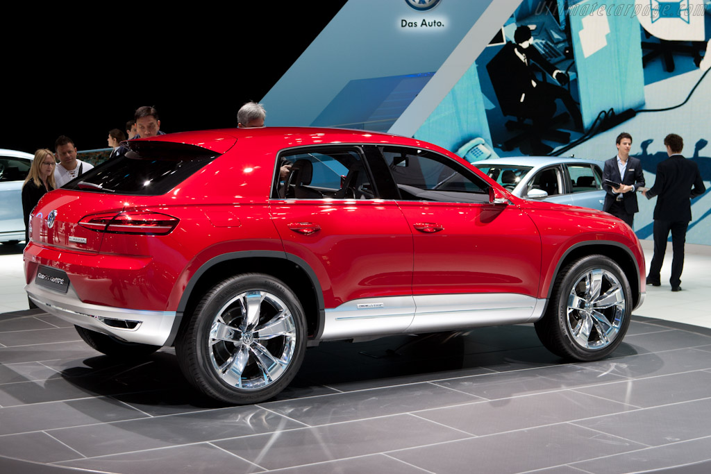 Volkswagen Cross Coupe    - 2012 Geneva International Motor Show